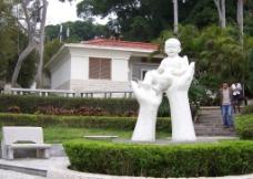 鼓浪屿毓园雕像图片