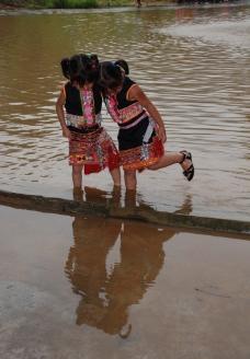 傣族小少女图片