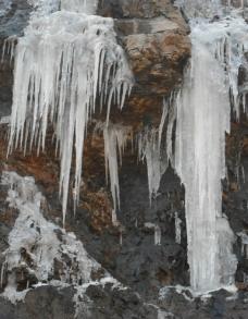 冬天的冰山图片