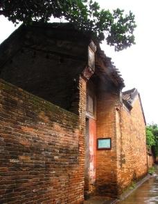 红墙民居图片