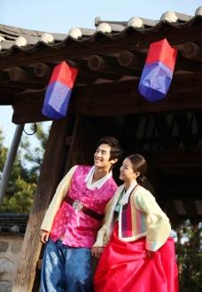 生活中的 演戏中的情侣 韩国 伉俪 婚纱 结婚 结婚照图片