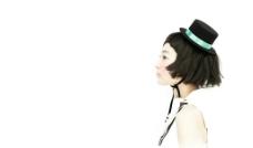 带礼帽的美女 背景图图片
