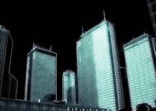 发光的楼群图片